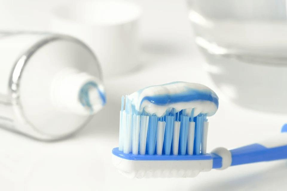 Zubní pasta s fluorem či bez? 2