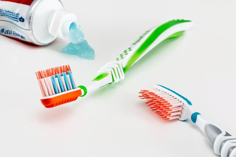 Zubní pasta s fluorem či bez? 1