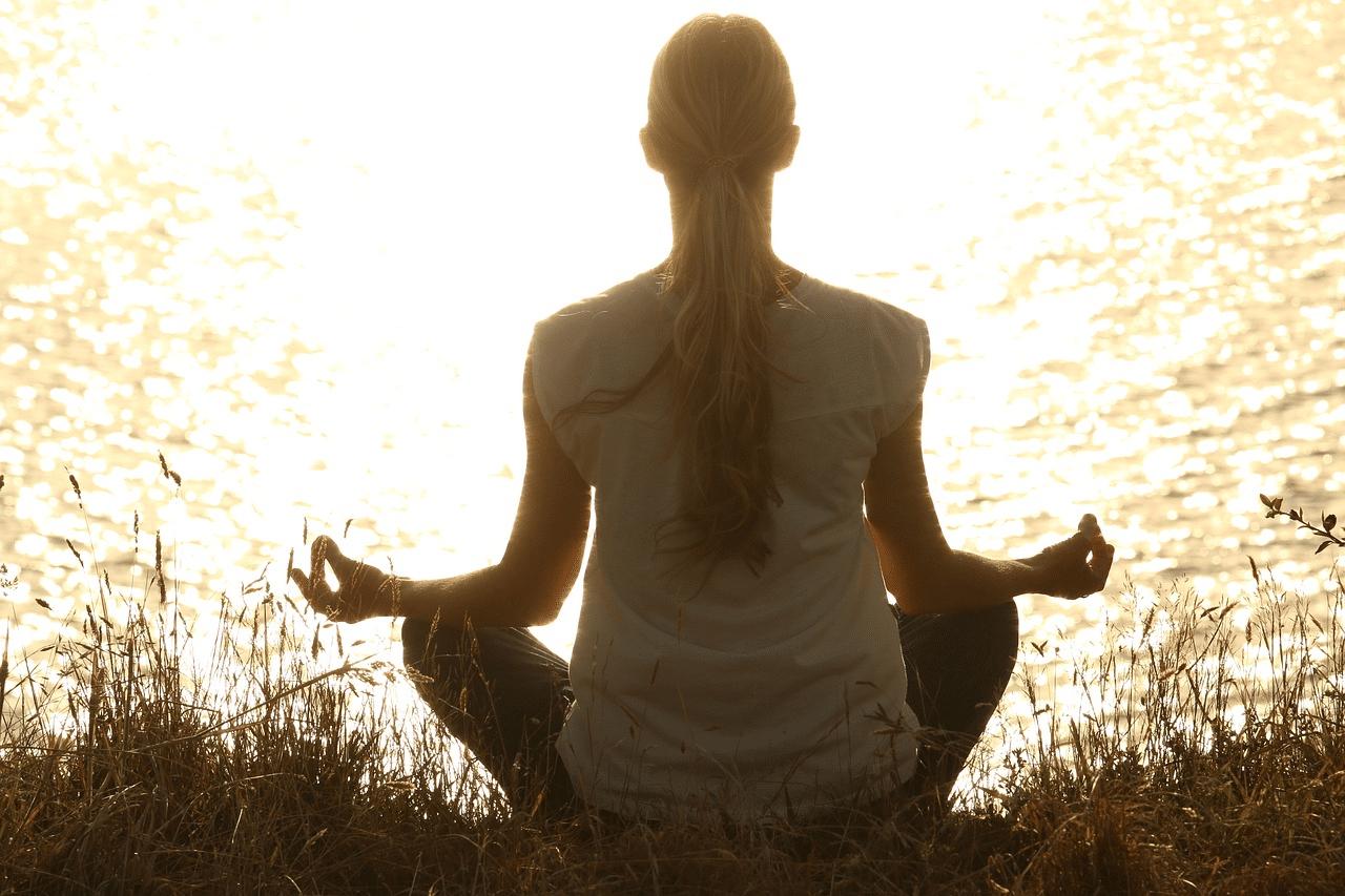 Chybí vám čas a klid na jógu a meditaci? Pomůžeme vám ho najít 3