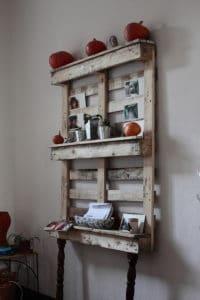 6794518122 03cacfc7ea z 200x300 Šokující trend moderního bydlení – nábytek z palet!