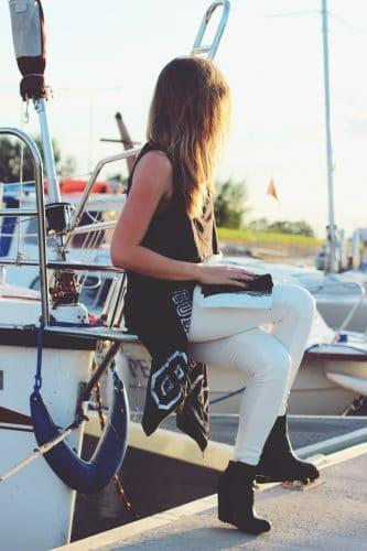 Jak nosit bílé kalhoty, ve kterých budete vypadat jako dáma? 3