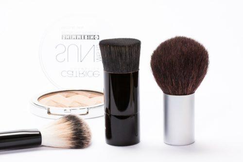 cosmetics 259181 1280 500x333 Vychytávky v líčení