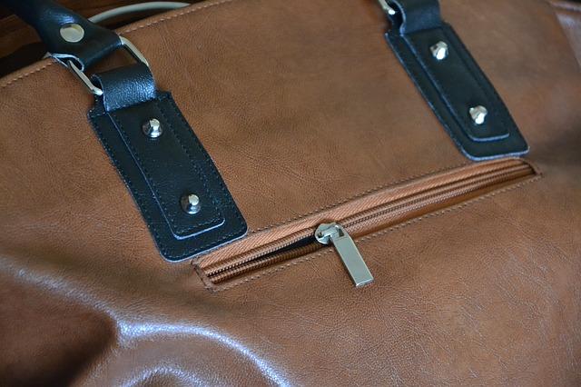 Dokážete si představit ženu bez kabelky? 1