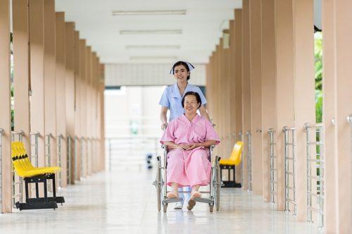 hospital 1491546297 500x332 Smějte se! Budete zdraví