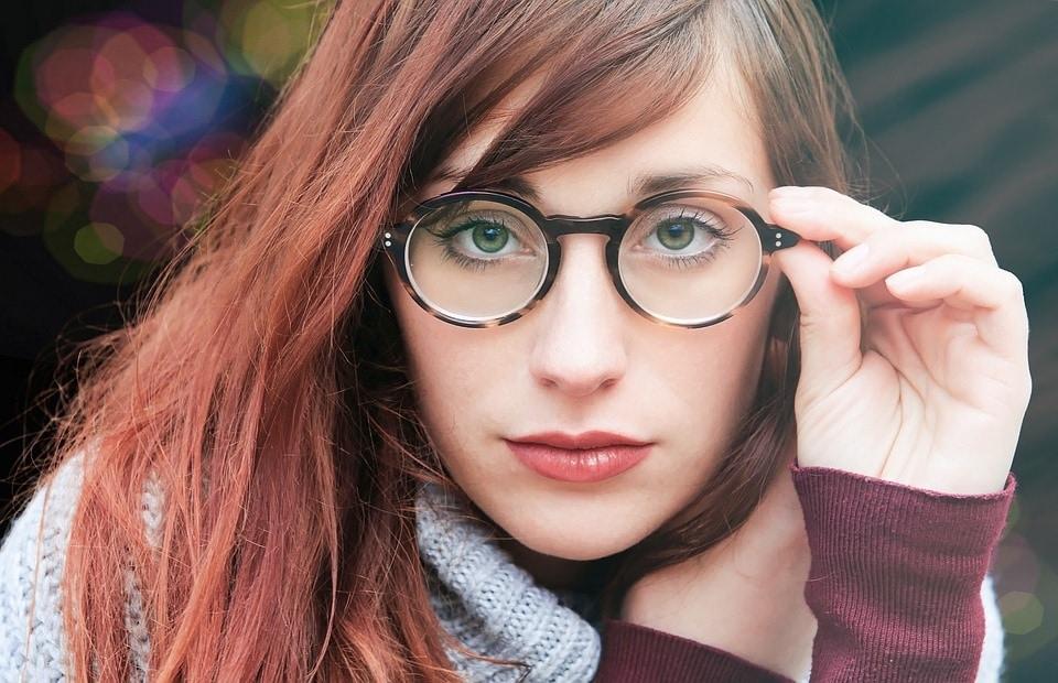 Jak vyzrát na pálení očí? Syndrom suchých očí a práce s PC. 1