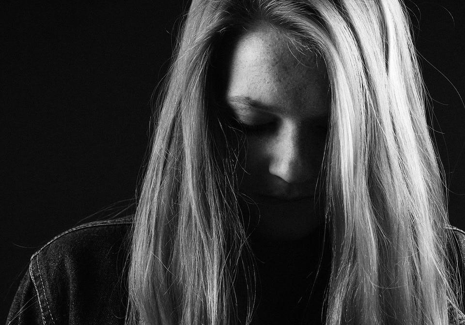 Jste společenský introvert? Možná se zde poznáte. 2