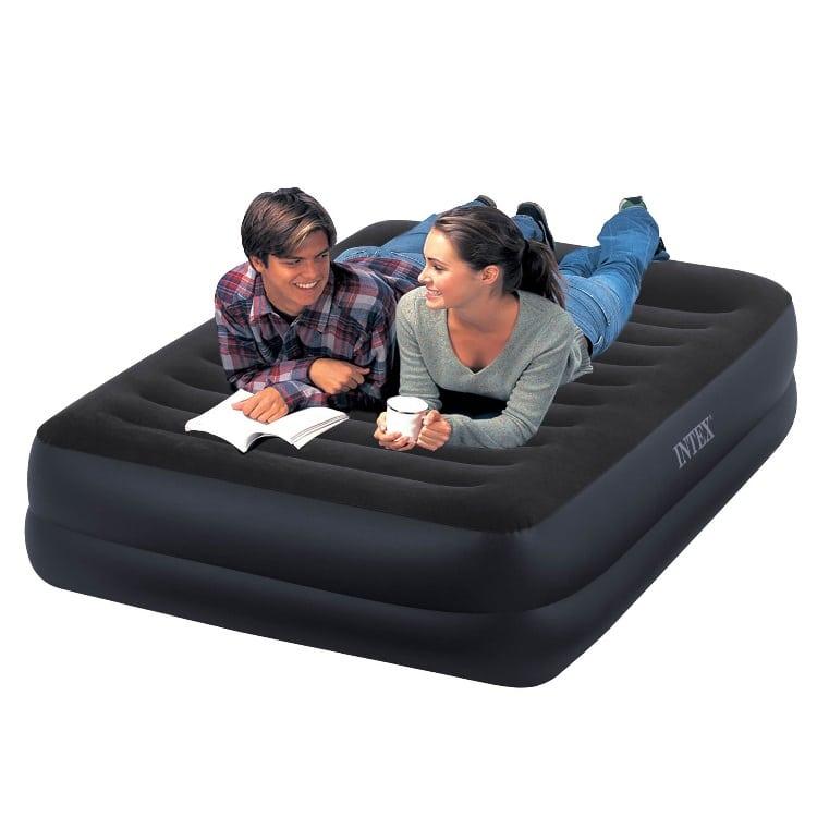 Proč by vám doma neměly chybět nafukovací postele? 1