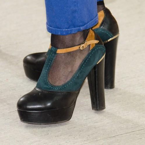 shoes-453209_1280